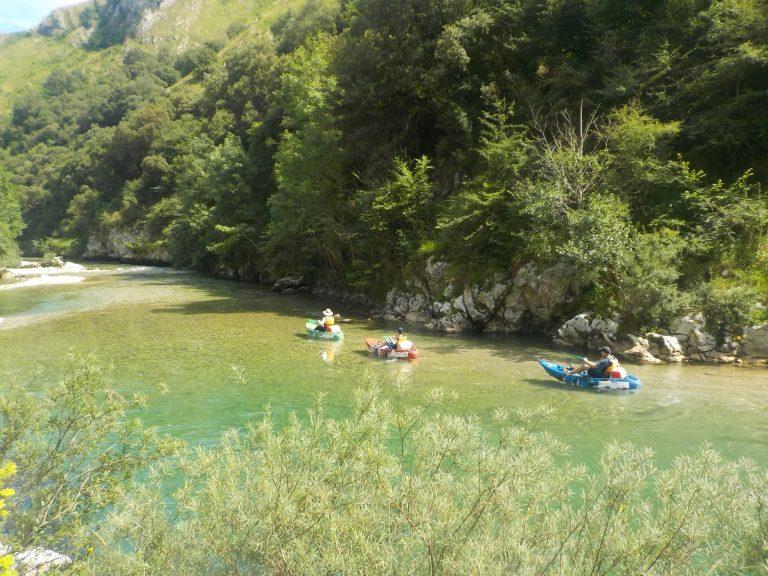 Practicando español en canoa por el Río Cares-Deva
